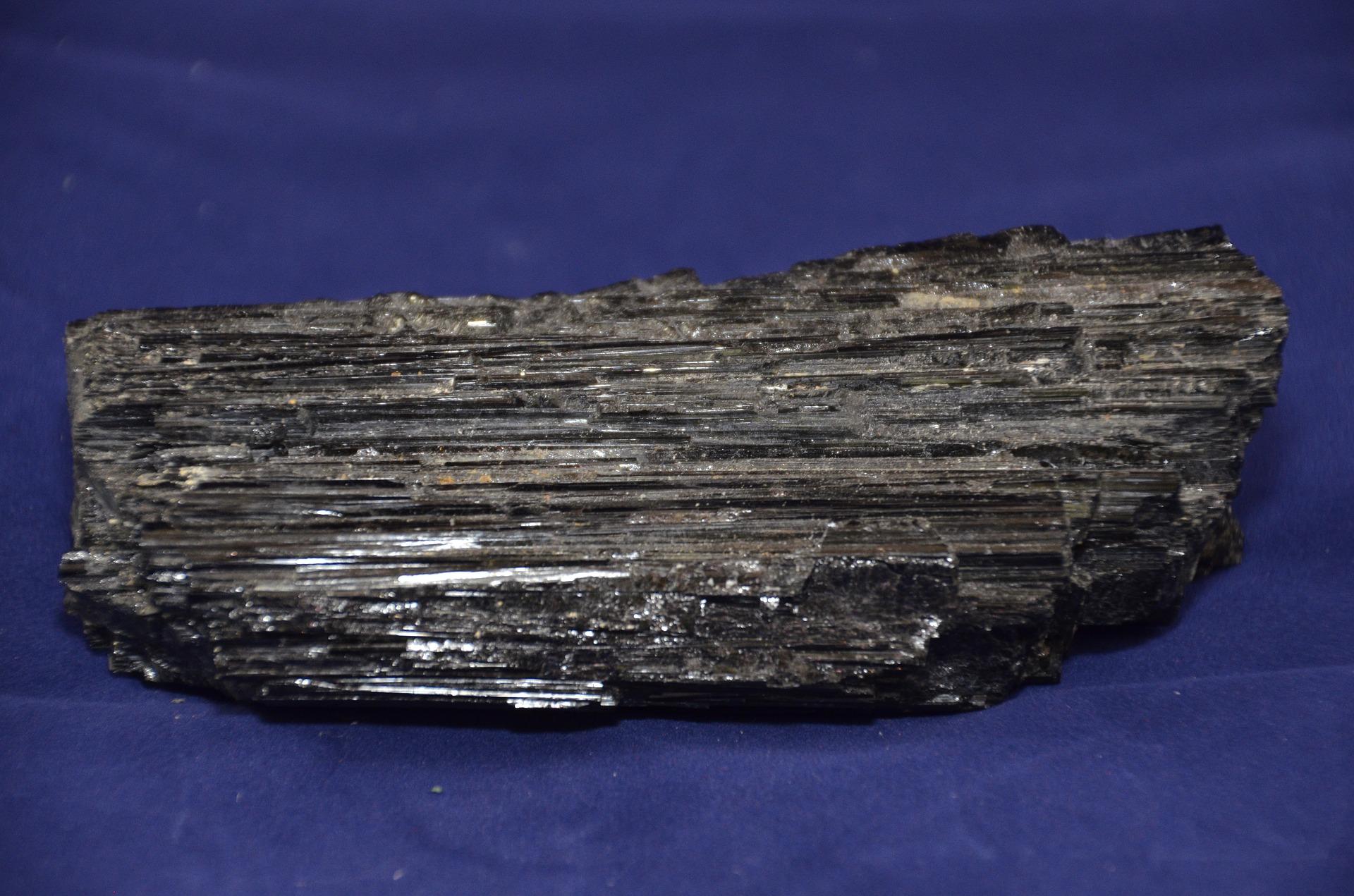 black-tourmaline-1609432_1920